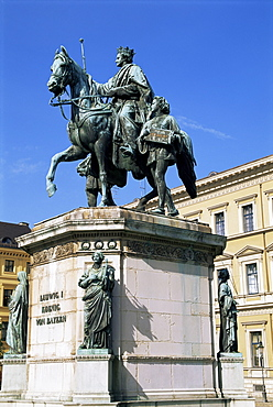 Monument to Ludwig I, Odeonsplatz, Munich, Bavaria, Germany, Europe