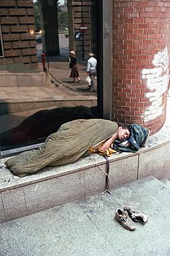 Homeless man, city centre, Turin, Piemonte, Italy, Europe