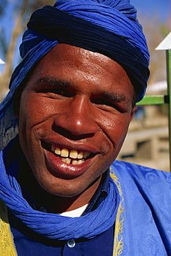 Saharan caravan driver, 20 years old, Agdz, Ouarzazate region, Morocco, North Africa, Africa