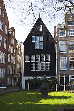 Het Houten Huis, the oldest house in Amsterdam, Begijnhof, a beautiful square of 17th and 18th century houses, Amsterdam, Netherlands, Europe