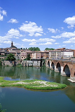 The town of Albi, Tarn River, Tarn Region, Midi Pyrenees, France, Europe