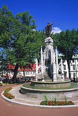 Fountain in the Place d'Armes in Quebec City, Quebec, Canada, North America