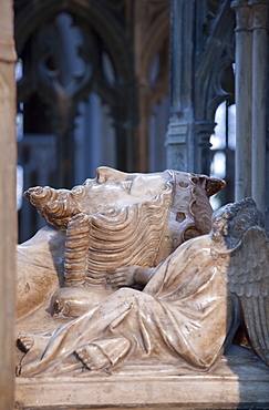 Close-up of effigy on tomb of King Edward II, died 1327, Gloucester Cathedral, Gloucester, Gloucestershire, England, United Kingdom, Europe