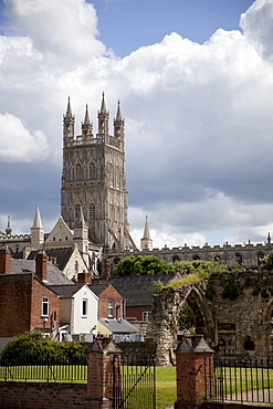 Gloucester Cathedral Tower and ruins of Bishop's Palace, Gloucester, Gloucestershire, England, United Kingdom, Europe