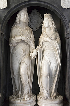 Effigies of Edward Noel Viscount Campden and his wife, St. James Church, Chipping Campden, Gloucestershire, Cotswolds, England, United Kingdom, Europe
