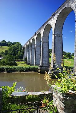 Calstock railway viaduct, Tamar Valley, Cornwall, England, United Kingdom, Europe