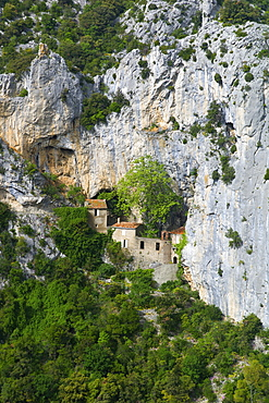 Hermitage in Galamus Gorge, French Pyrenees, France, Europe