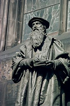 Statue of John Knox, Edinburgh, Lothian, Scotland, United Kingdom, Europe