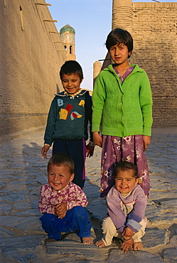 Children in street, Khiva, Uzbekistan, Central Asia, Asia