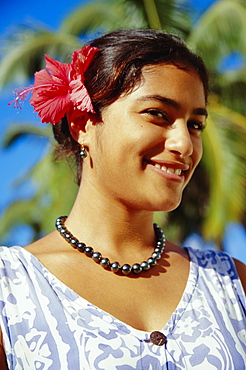 Portrait of a woman wearing a pearl necklace, Rarotonga, Cook Islands, Polynesia, South Pacific Islands, Pacific