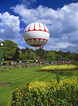 The Bournemouth Eye, a tethered balloon giving rides above the town, Lower Gardens, Bournemouth, Dorset, England, United Kingdom, Europe