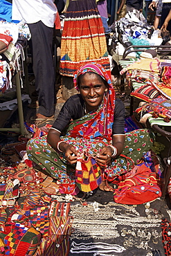 Woman in market, Mapusa, Goa, India, Asia