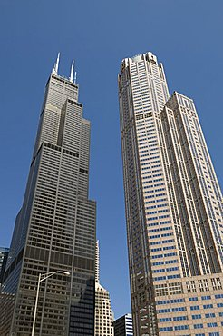 Sears Tower with white aerials, Chicago, Illinois, United States of America, North America