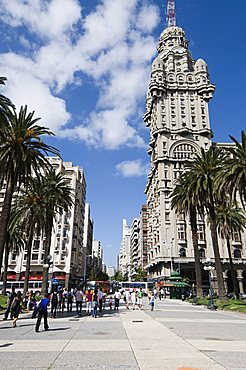 Palacio Salvo, on east side of Plaza Independencia (Independence Square), Montevideo, Uruguay, South America