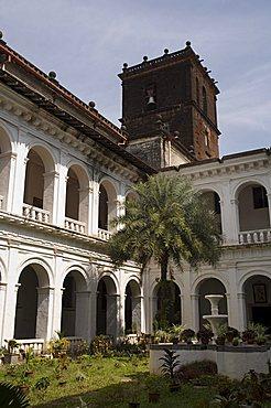 Cloisters of the Basilica of Bom Jesus, built 1594, Old Goa, UNESCO World Heritage Site, Goa, India, Asia
