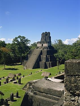 Temple II, Great Plaza, Tikal, UNESCO World Heritage Site, Guatemala, Central America