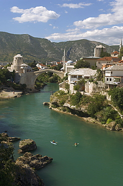 The new Old Bridge over the fast flowing River Neretva, Mostar, Bosnia, Bosnia-Herzegovina, Europe