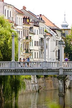 The Cobblers Bridge over the River Ljubljanica, Ljubljana, Slovenia, Europe