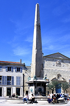 Obelisk in the Place de la Republique, Arles, Bouches-du-Rhone, Provence, France, Europe