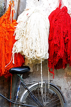 Wool skeins in the dyers souk, Marrakesh, Morocco, North Africa, Africa
