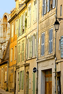 Old town street, rue des Arenes, Arles, Bouches du Rhone, Provence, France, Europe