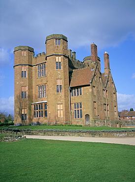 Leicester's gatehouse, Kenilworth Castle, managed by English Heritage, Warwickshire, England, United Kingdom, Europe