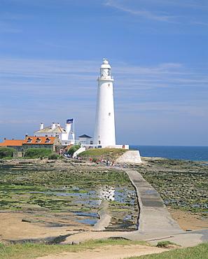 Lighthouse, St. Mary's Island, Whitley Bay, Northumbria (Northumberland), England, United Kingdom, Europe