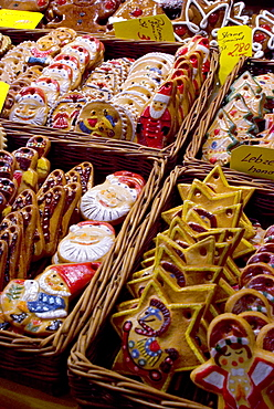 Handpainted biscuits, Christkindelsmarkt (Christ Child's Market) (Christmas market) , Nuremberg, Bavaria, Germany, Europe