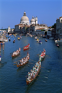 Regatta Storica, Grand Canal and Santa Maria della Salute, Venice, UNESCO World Heritage Site, Veneto, Italy, Europe