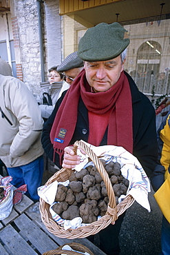 Truffle producer selling his harvest at Tuesday market, Lalbenque, Quercy region, Lot, France, Europe