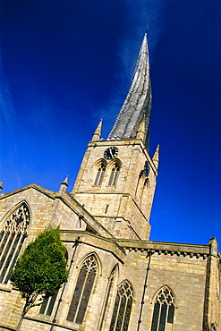 St Mary and All Saints Church with its twisted spire, Chesterfield, Derbyshire, England, UK