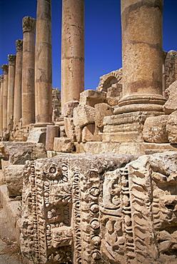 Columns of the Cardo, Roman archaeological site, Jarash (Jerash), Jordan, Middle East