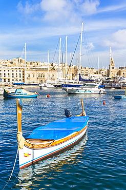 Vittoriosa waterfront marina and water taxi (Dghajsa), Dockyard Creek, Birgu The Three Cities, Valletta, Malta, Mediterranean, Europe