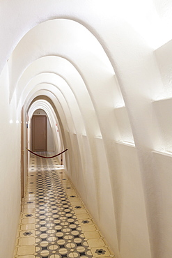 Inside corridor of Casa Batllo, a modernist building by Antoni Gaudi, UNESCO World Heritage Site, Passeig de Gracia, Barcelona, Catalonia (Catalunya), Spain, Europe