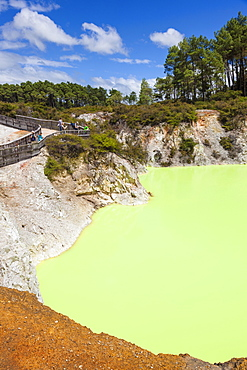 The Devils Bath, Wai-o-tapu Thermal Wonderland, geothermal area, Waiotapu, Rotorua, North Island, New Zealand, Pacific