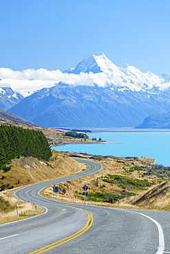 Mount Cook, Highway 80 S curve road and Lake Pukaki, Mount Cook National Park, UNESCO World Heritage Site, South Island, New Zealand, Pacific