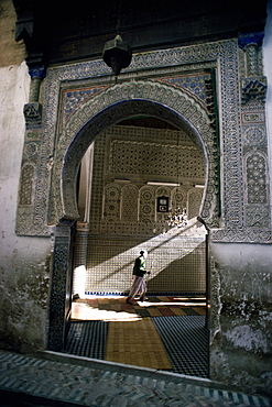 Arched entrance to Islamic mosque in the medina, Marrakech (Marrakesh), UNESCO World Heritage Site, Morocco, North Africa, Africa