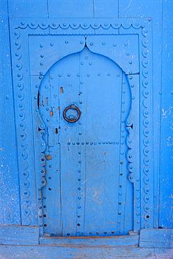 Blue door, Chefchaoue (Chaouen) (Chechaouen), Rif Region, Morocco, Africa
