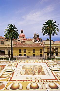 Floral decorations made during Corpus Christi celebrations, Placa de l'Ayuntamento (City Hall Square), La Orotava, Tenerife, Canary Islands, Spain, Atlantic, Europe