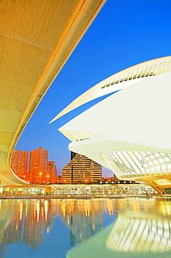 Palau de les Arts and bridge, City of Arts and Sciences, Valencia, Comunidad Autonoma de Valencia, Spain, Europe