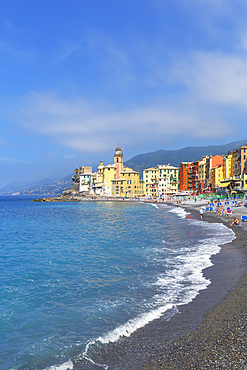The picturesque fishing village of Camogli, Camogli, Riviera di Levante, Liguria, Italy, Europe