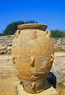 Minoan jar, Malia, island of Crete, Greece, Mediterranean, Europe