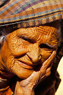 Portrait of an old woman, Jaisalmer, Rajasthan state, India, Asia