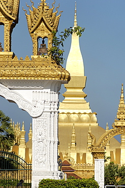 That Luang Stupa, constructed in 1566 by King Setthathirat, Vientiane, Laos, Indochina, Southeast Asia, Asia