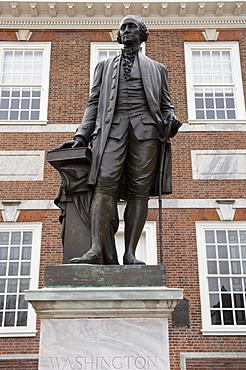 Statue of Washington, Independence Hall, Philadelphia, Pennsylvania, United States of America, North America
