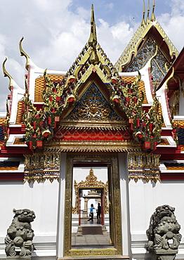 Chedi Rai near Phra Rabieng cloister. Wat Phra Chetuphon, (Wat Po), Bangkok, Thailand, Southeast Asia, Asia