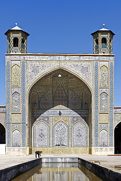 The Vakil Mosque situated to the west of the Vakil Bazaar, Shiraz, Iran, Middle East