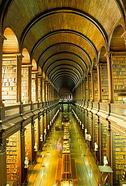 Gallery of the Old Library, Trinity College, Dublin, County Dublin, Eire (Ireland), Europe