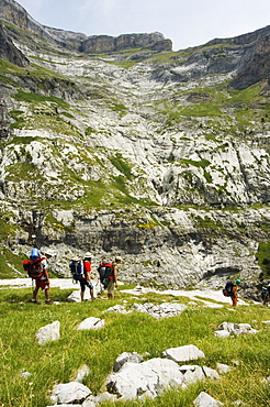 Hiking trail and hikers in the Canon de Anisclo (Anisclo Canyon), Ordesa y Monte Perdido National Park, Aragon, Spain, Europe