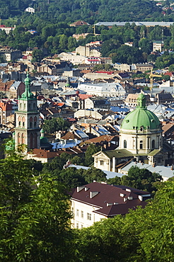 Old Town including Dominican church and monastery, and Assumption church bell tower dating from 1591-1629, seen from Castle Hill, UNESCO World Heritage Site, Lviv, Ukraine, Europe